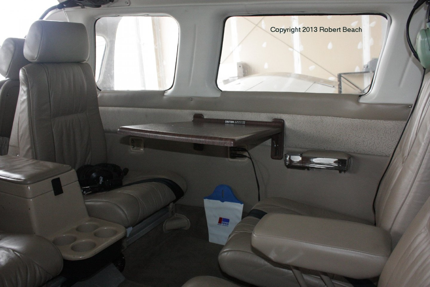 interior_rear seats_installed table