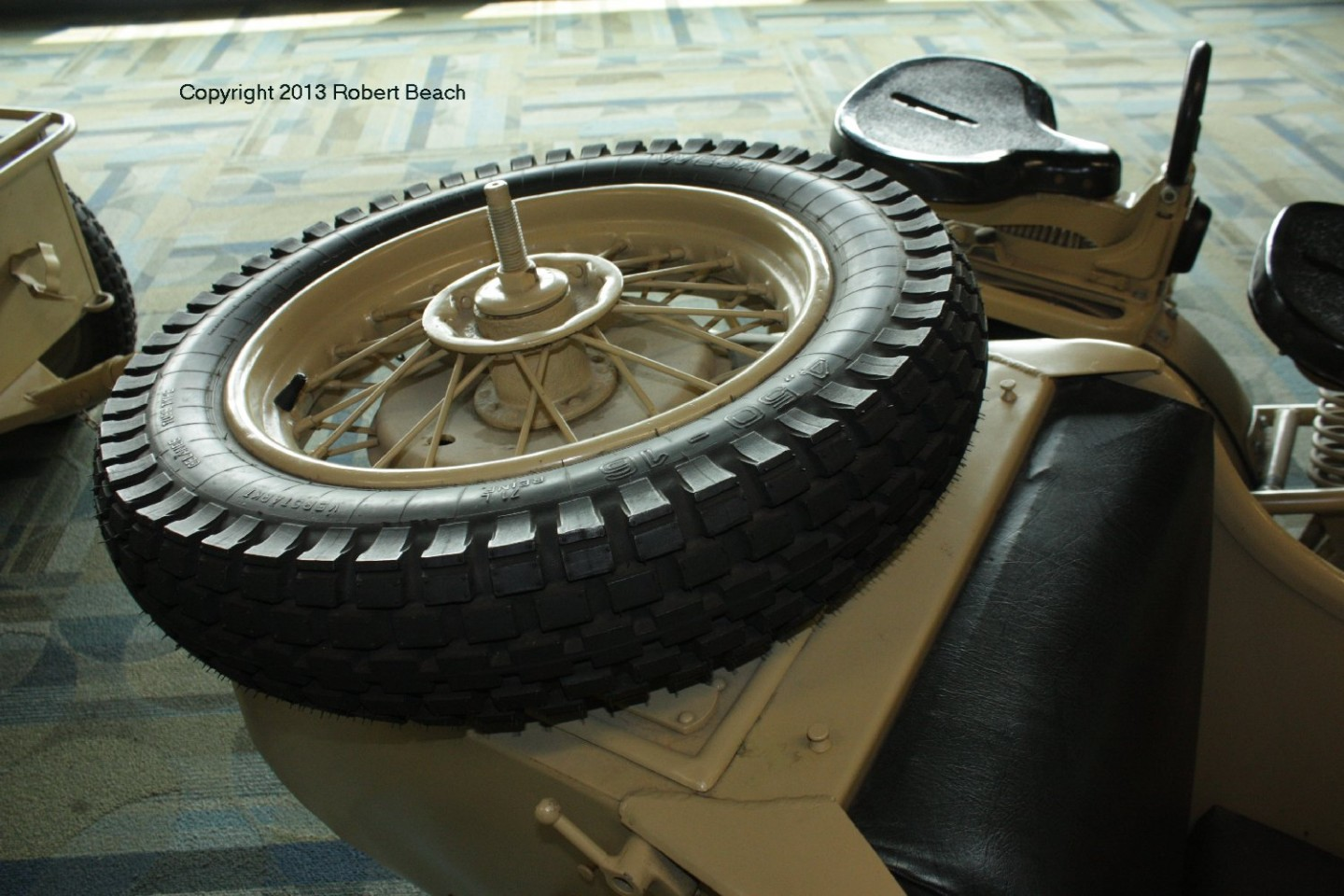 BMW_Mtrcycle_sidecar_car_spare tire_frm rt