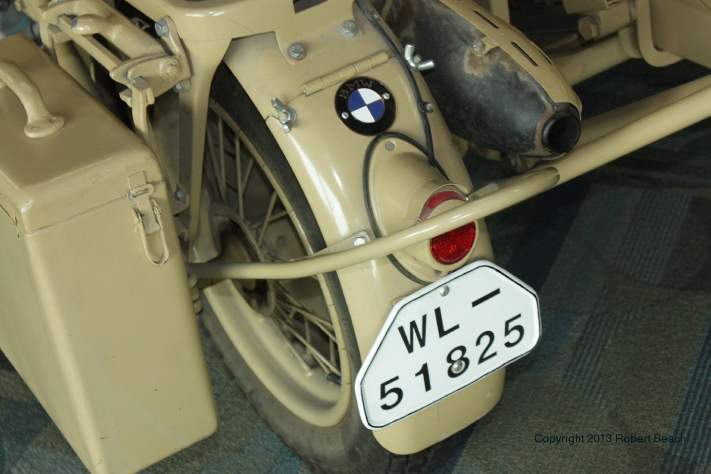 BMW_Mtrcycle_sidecar_cycle_fender rear view