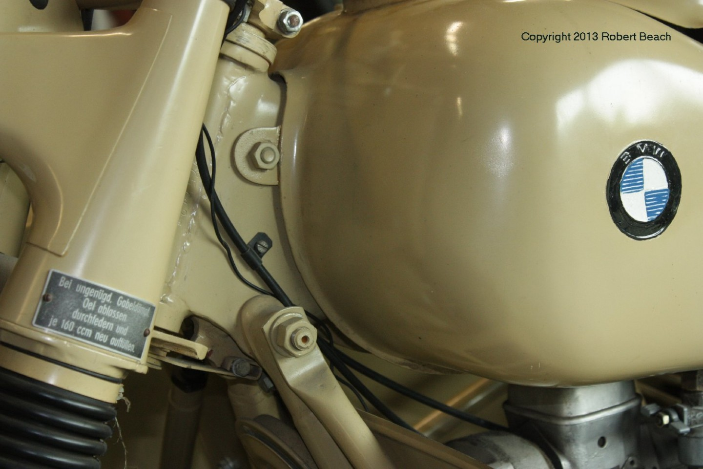 BMW_Mtrcycle_sidecar_tank n fork details_frm rt