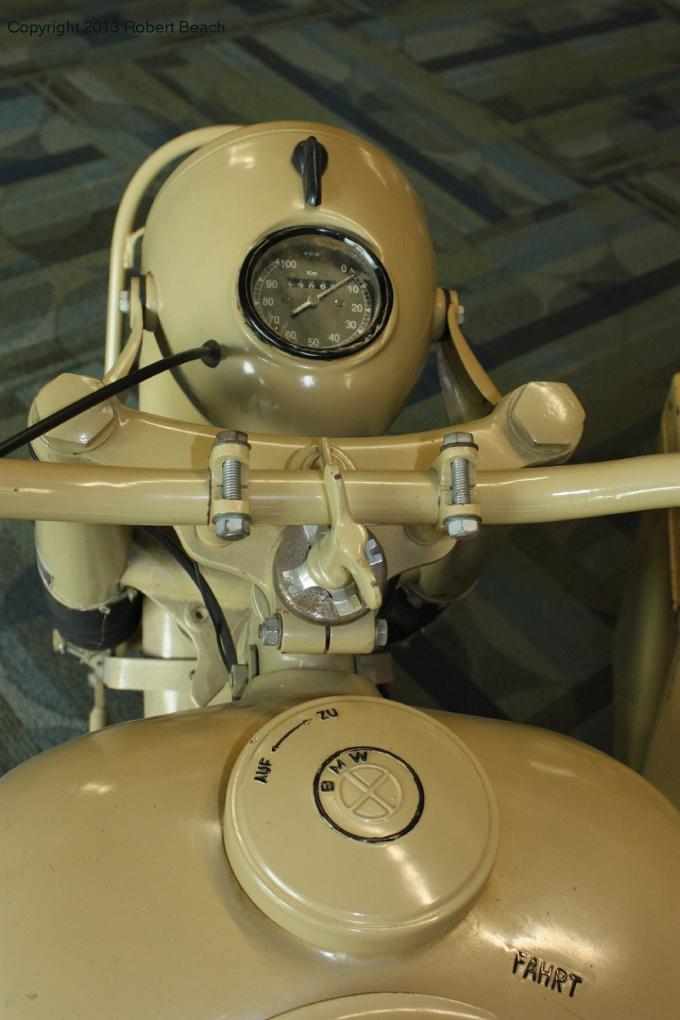 BMW_Mtrcycle_sidecar_top tank n headlight