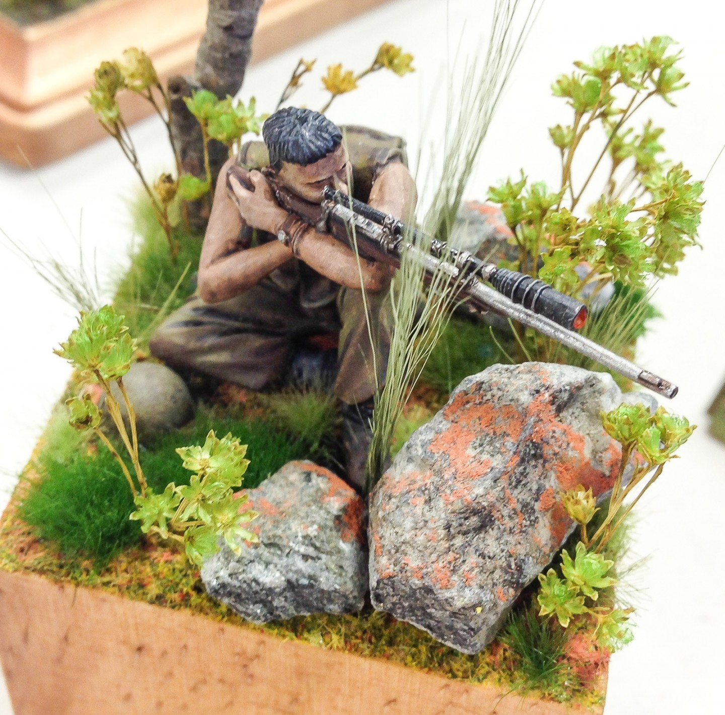 Detail abounds in Gordon's sniper figure. 25mm scale.