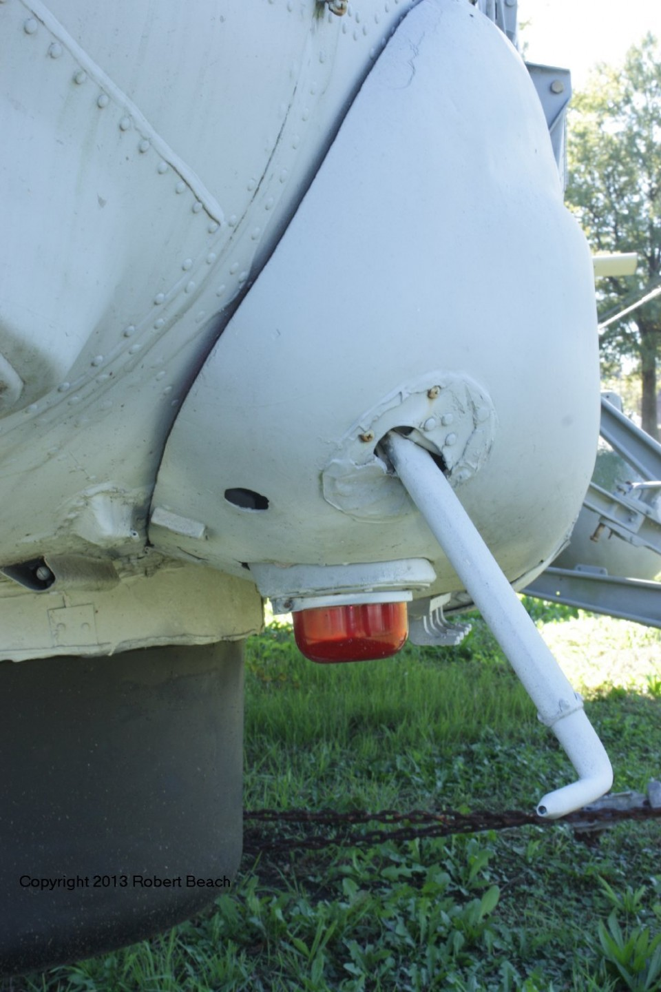 port gear fairing frm frnt and pitot 2