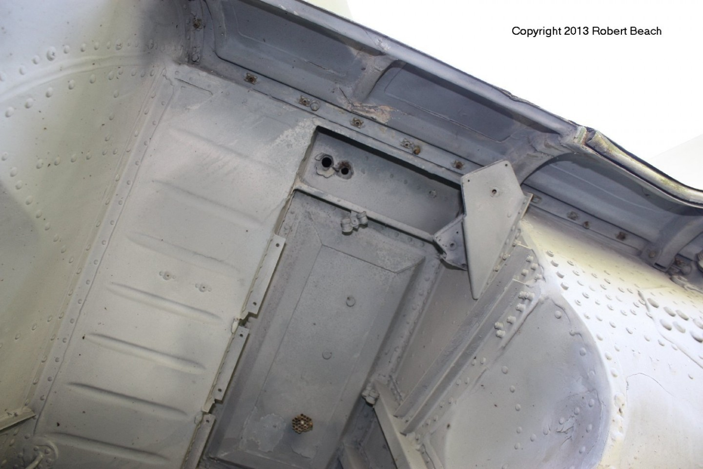 port gear well roof frm fwd below inside