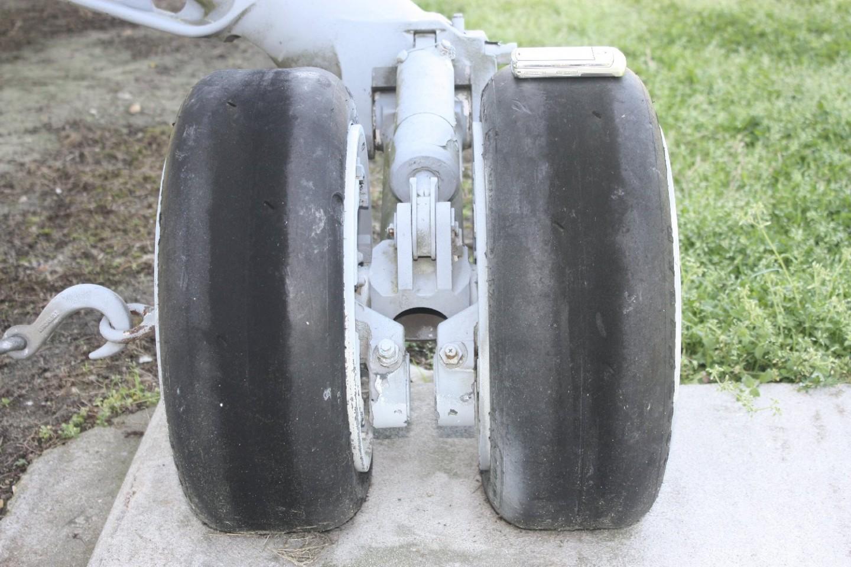 port wheel frm frnt