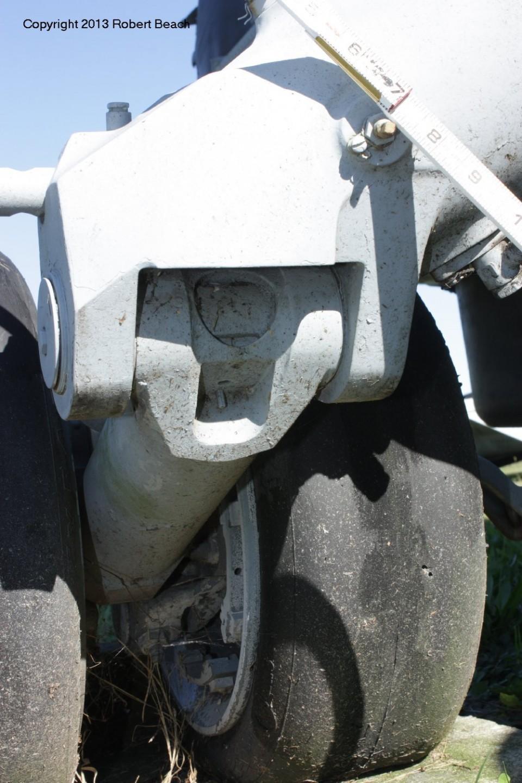 port_gear shockstrut rear underside