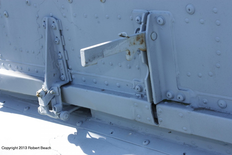 strbd cabin door track