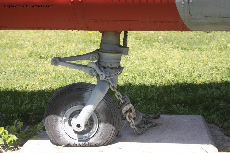 tail wheel frm strbd