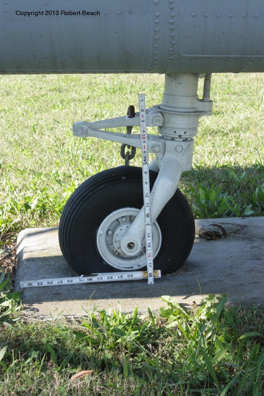 tail wheel frm strbd side