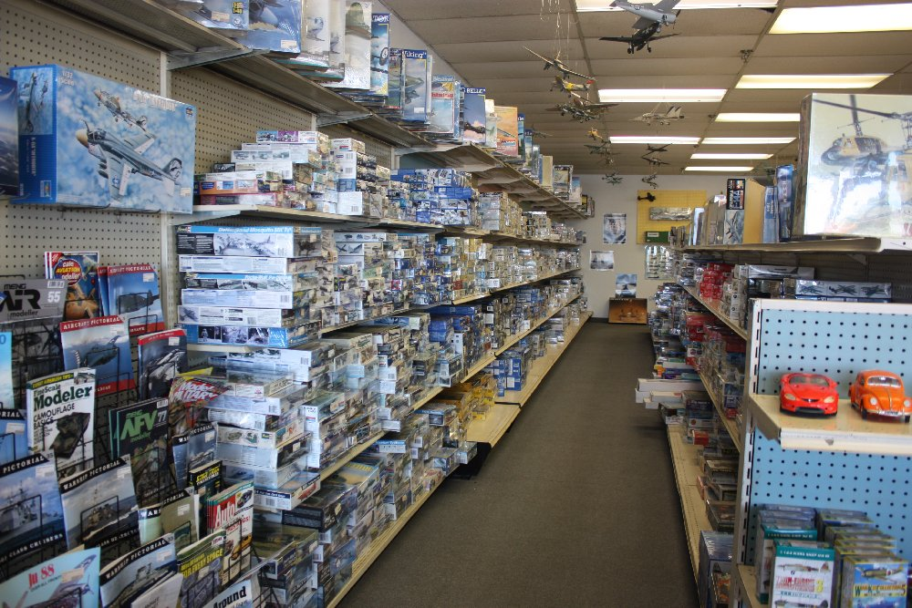 Plastic aircraft & ship kit aisle